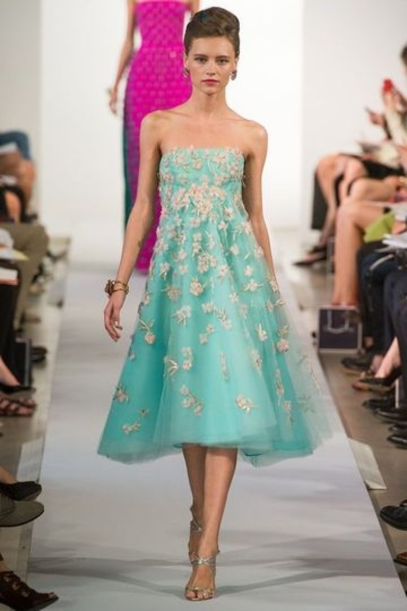 Oscar de la Renta - an award winning and renowned fashion designer ...