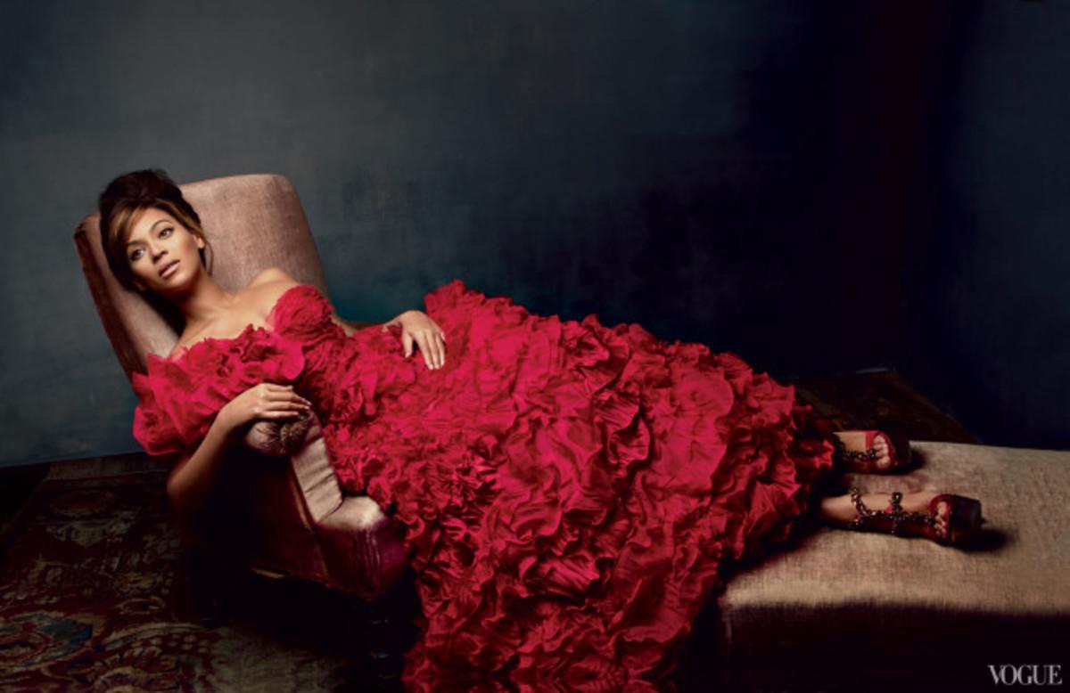 Beyonce in an Oscar de la Renta gown.