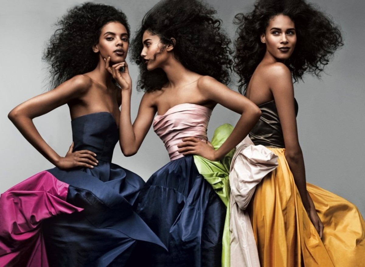 Grace Mahary, Imaan Hammam, Cindy Bruna model de la Renta fashions.