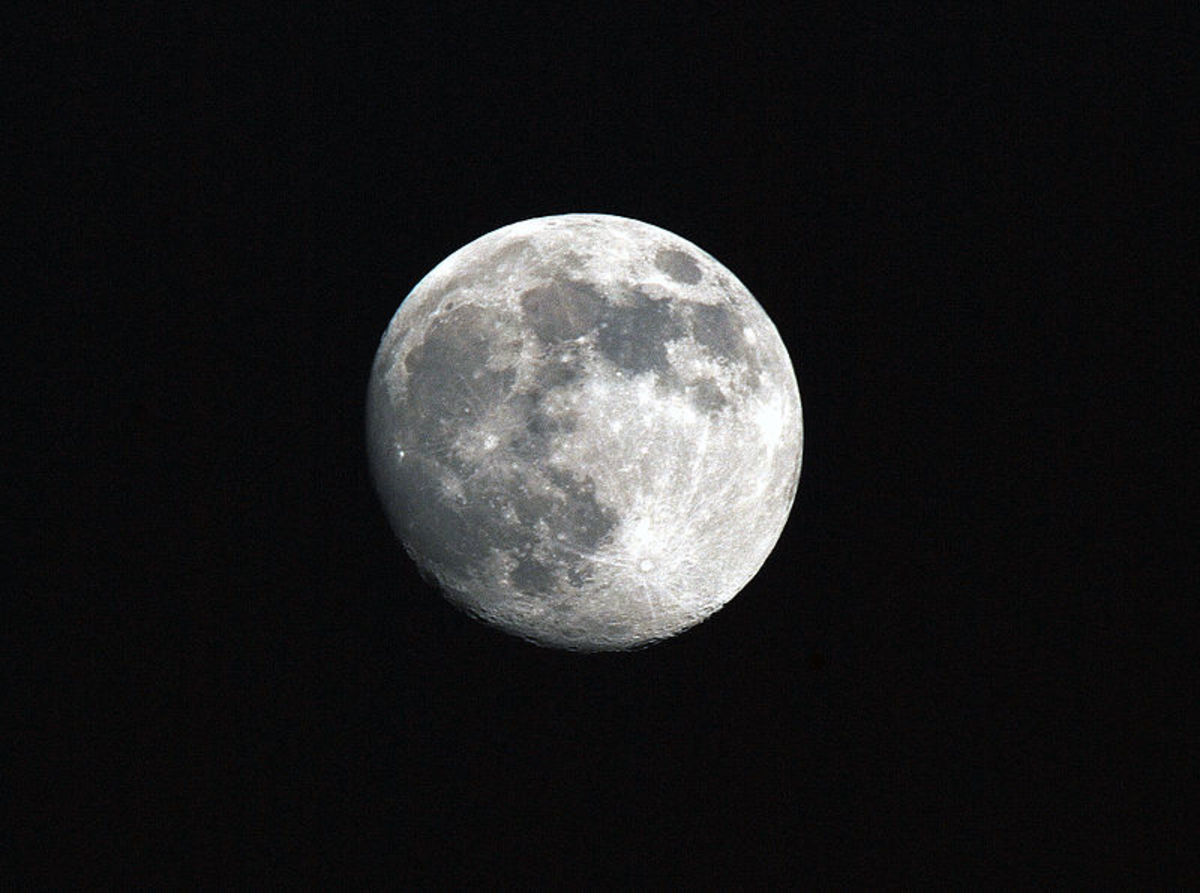The full moon is an excellent time to cleanse cloth to be used in making herbal sachets.