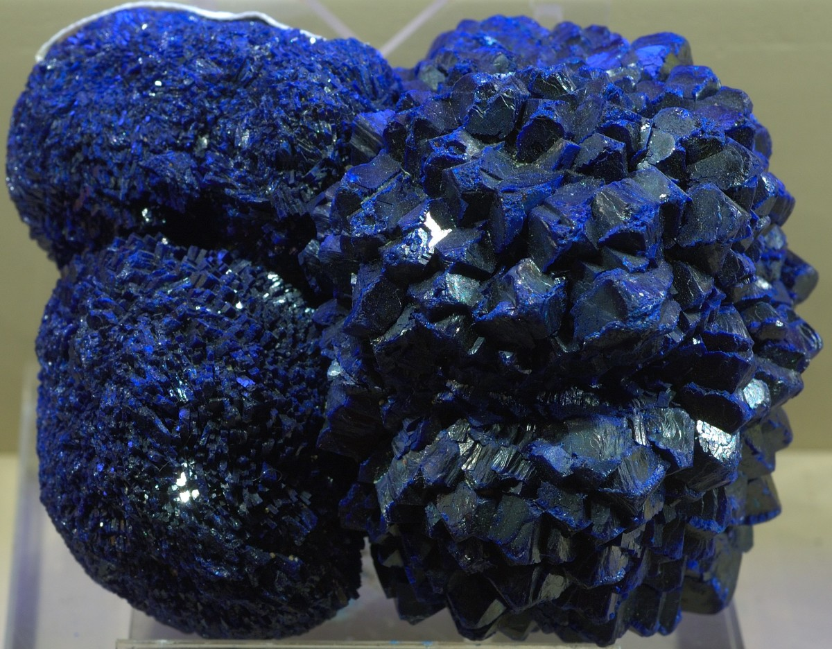 Facts about Azurite-Description, Properties, and Uses