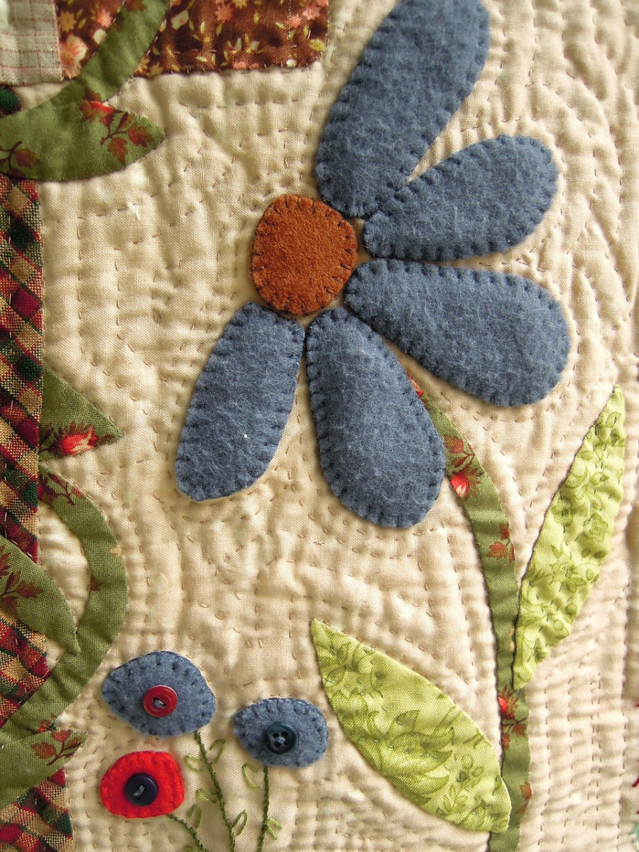 A sample of a simple flower applique.