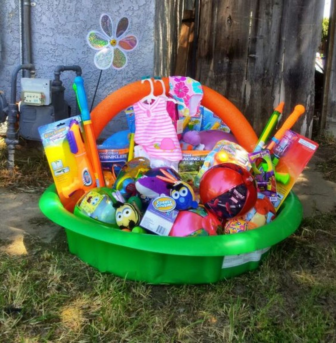 Swimming Pool Bucket | Easy DIY Easter Basket Ideas for Kids