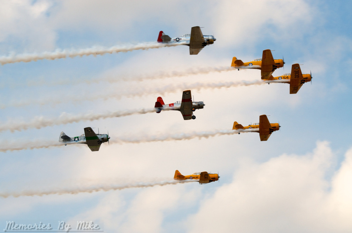 North American Aviation T-6 Texan was a single-engined advanced trainer aircraft used to train pilots of the United States Army Air Forces (USAAF), United States Navy. Fly formation at an airshow.