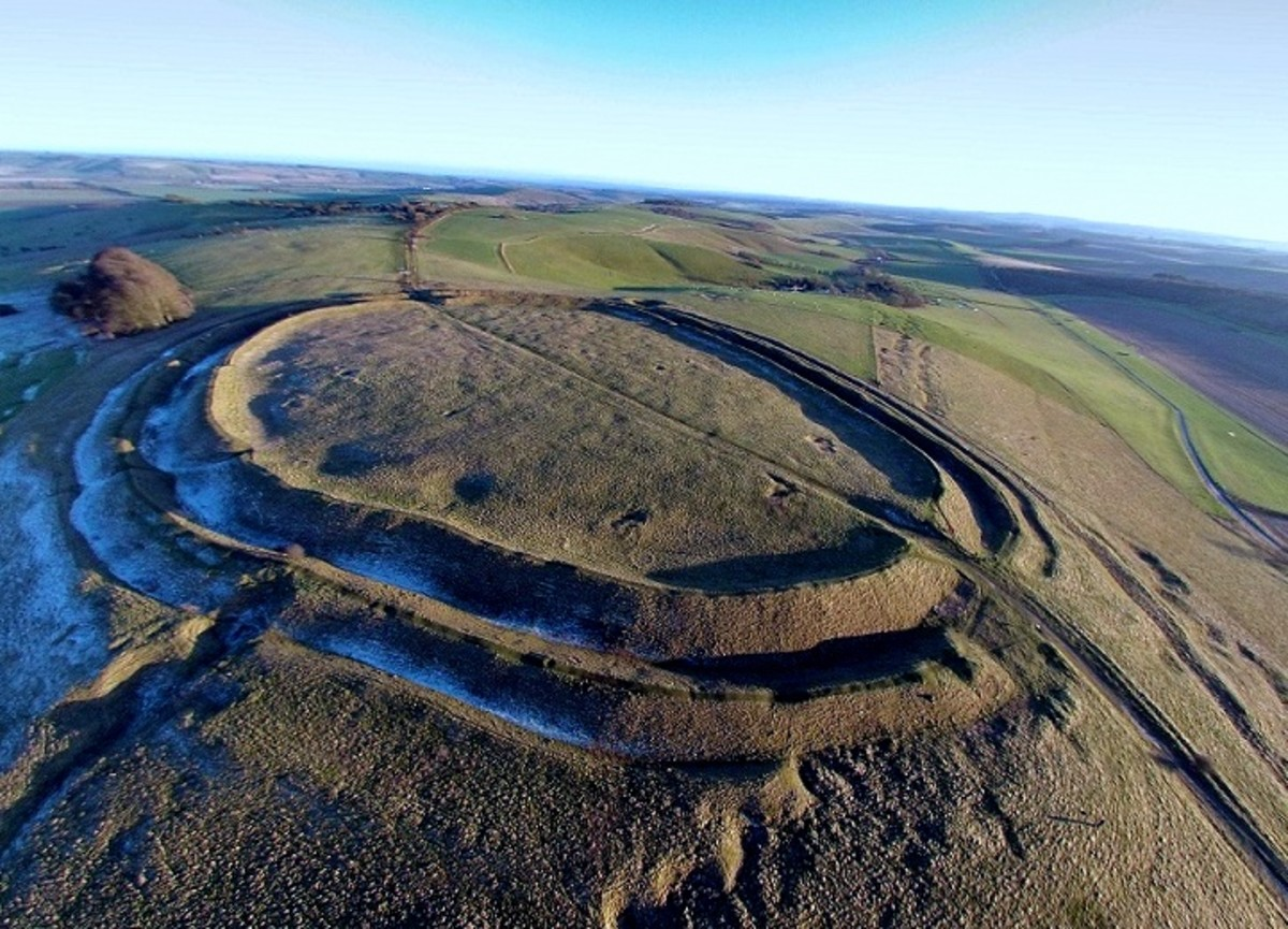 Barbury Hill Iron Age Fort. Photo by Wiki Commons user Geotrekker72.
