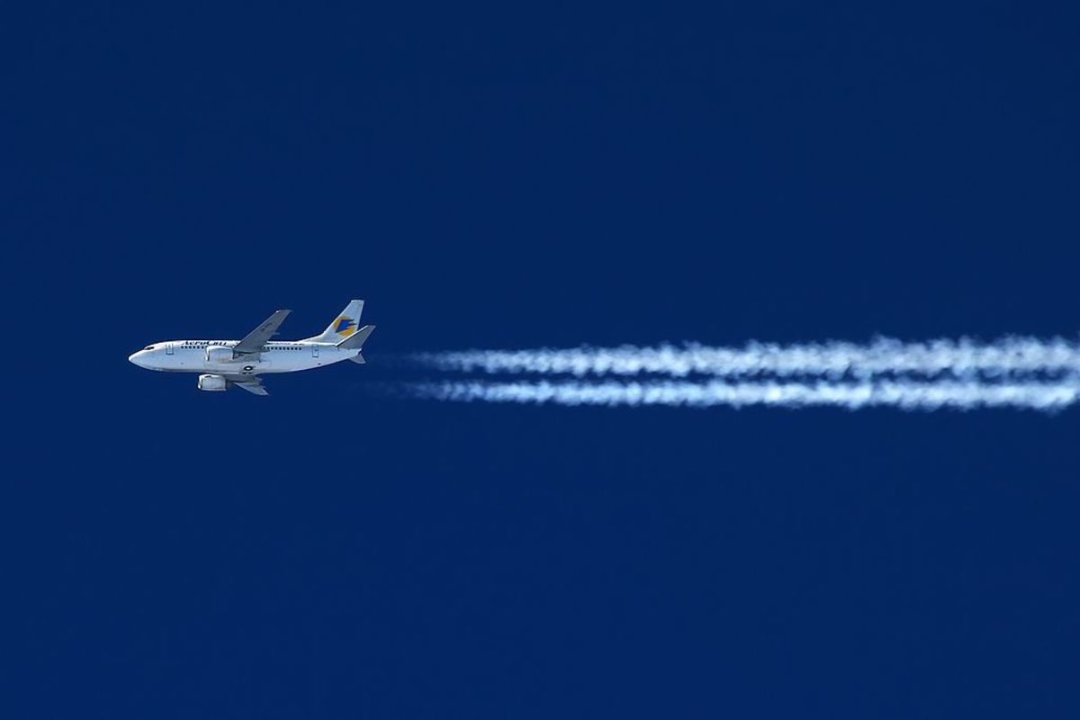 How Much Carbon Dioxide is Produced by Airplanes?