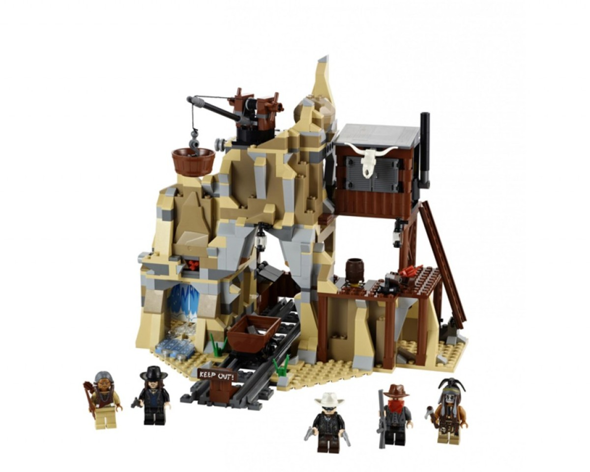 LEGO The Lone Ranger Silver Mine Shootout 79110 Assembled