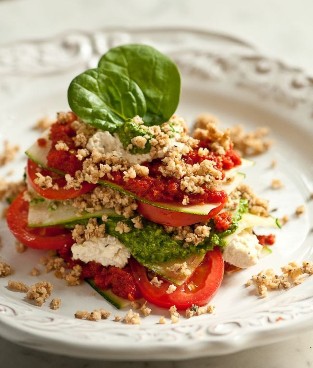 Delicious- Tomato raw vegan salad