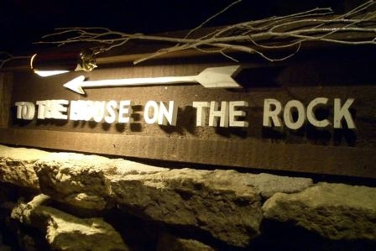 House On The Rock Sign