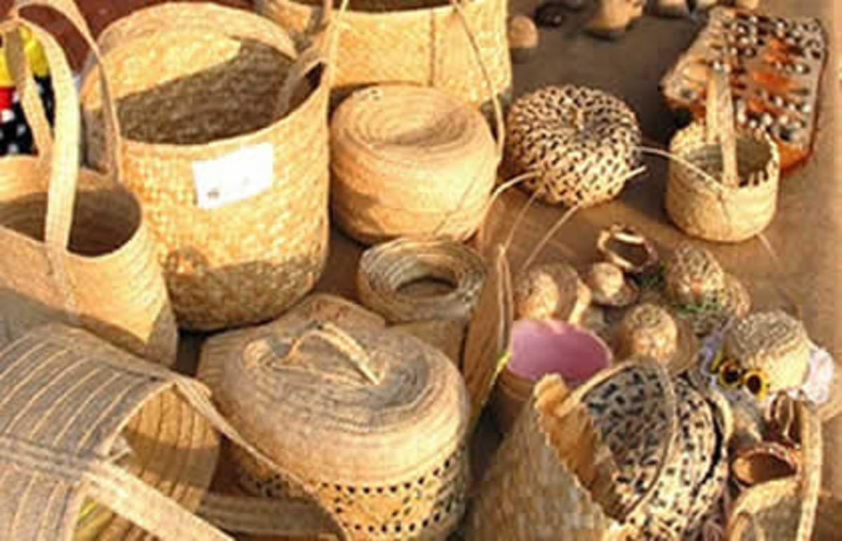 Other thatch items such as baskets, purses, hats