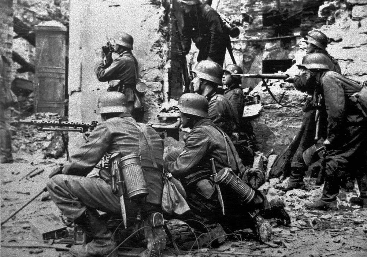 Troops  in WWII