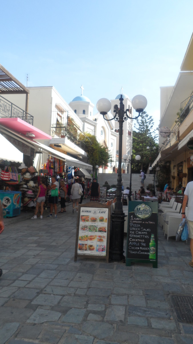 Most  tourist shopping areas in Greece have modern precincts as well as older style shops