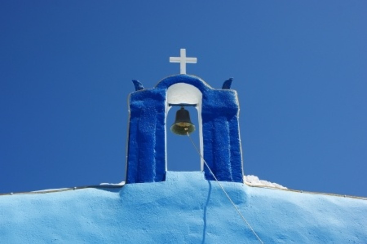 Picture postcard views are commonplace throughout Greece