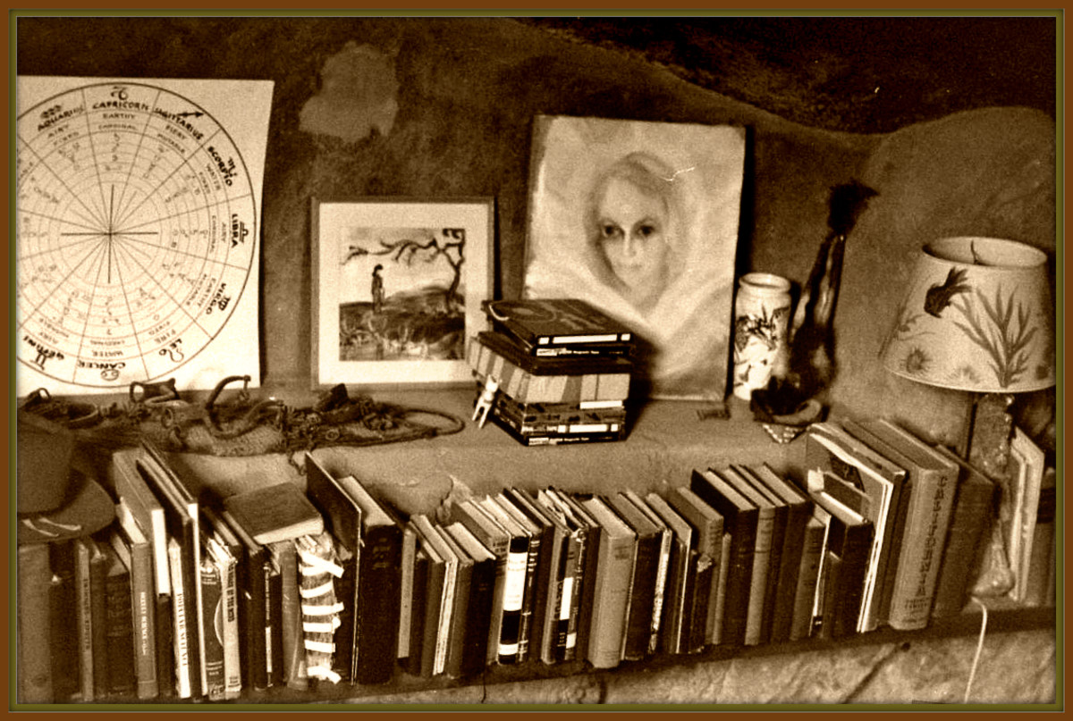George had a very remarkable Library in his underground home, under Giant Rock. His photo and art collection of UFOs and Aliens from other worlds was one of the largest in the world.