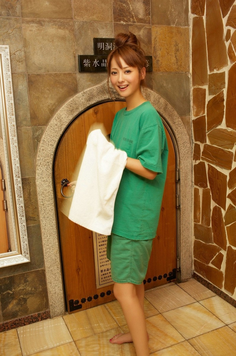 Nozomi Sasaki about to go into a sauna perhaps?