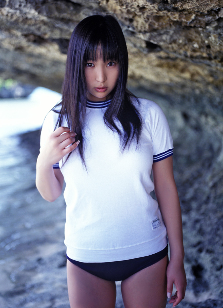 saori-yamamoto-and-natsume-sano-two-very-beautiful-japanese-supermodels