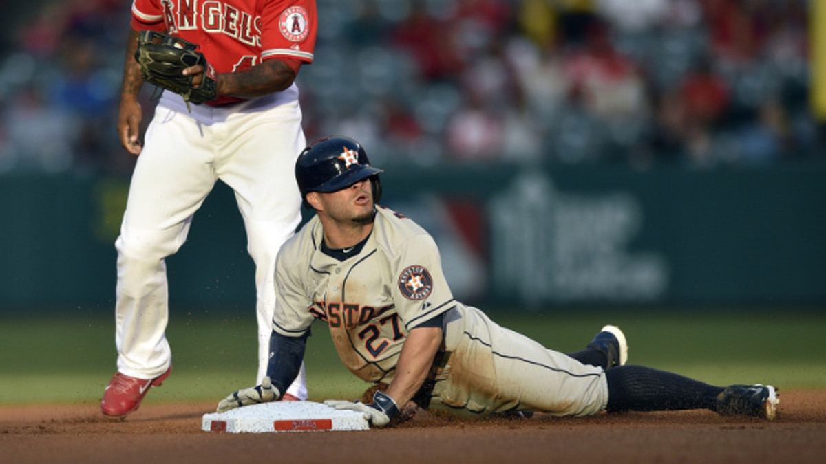 Pitchers and catchers beware! Altuve gets on base, and he doesn't look to stay where he got on at.