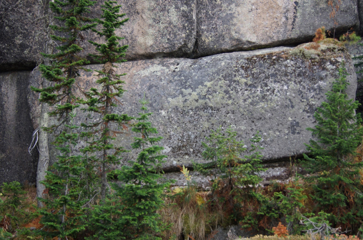 Huge 3,000 tons weighing megalithic blocks were recently discovered in Southern Siberia at mount Shoria. It defies any reasonable explanation.