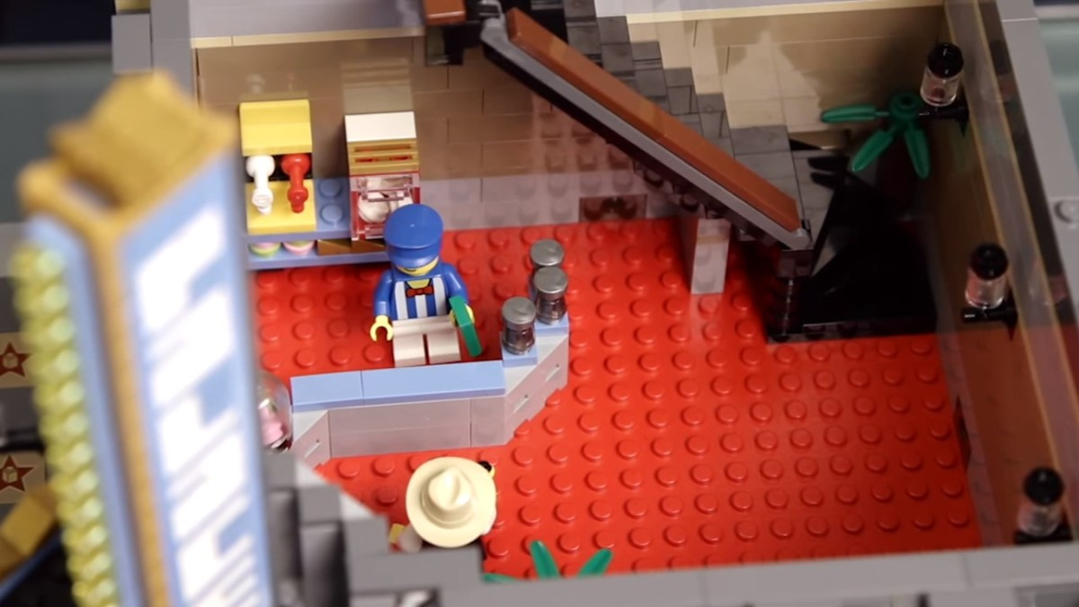 LEGO Creator Palace Cinema Modular Building | The first floor.  Lobby with a concession stand and ticket area.
