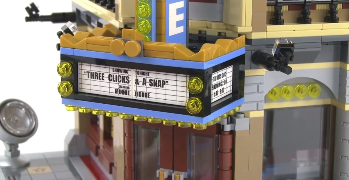 LEGO Creator Palace Cinema Modular Building | The traditional three-sided sign