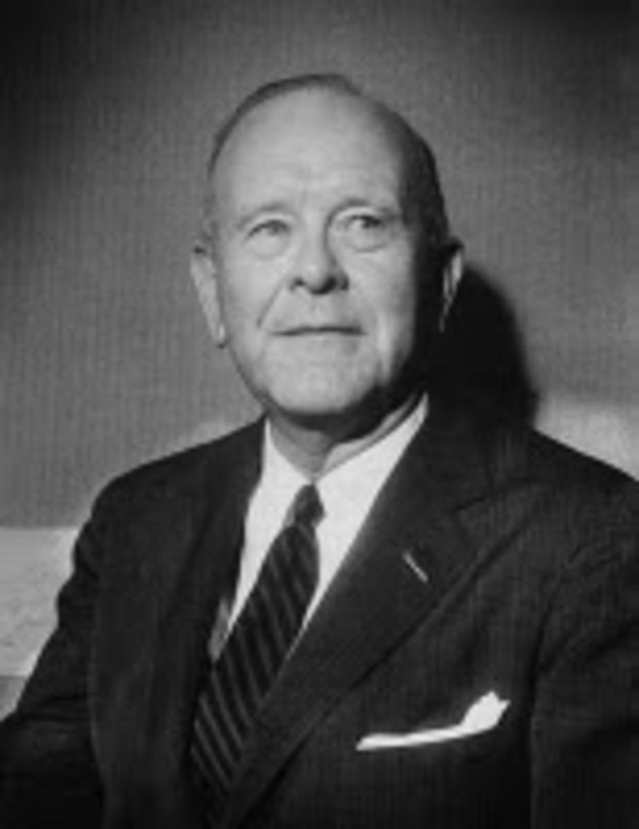 Lon Luvois Fuller (1902-1978)
