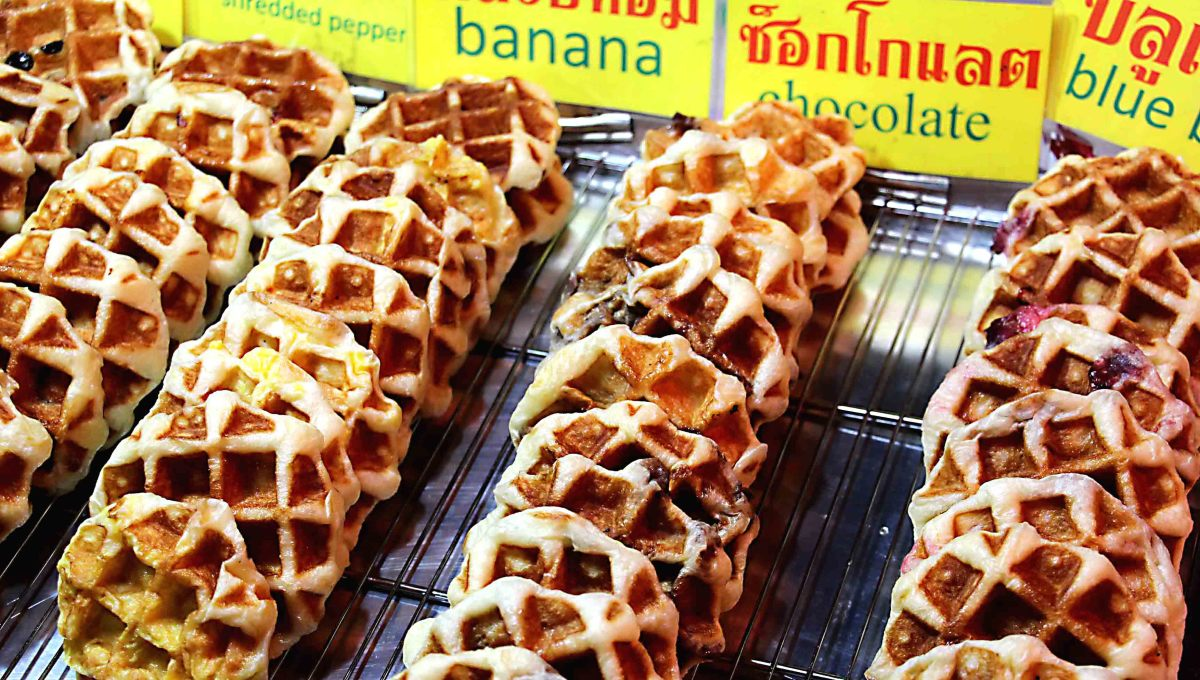 Waffles - Shredded pepper, banana, chocolate and blueberry flavours. In touristy areas descriptions will often be in English as well as Thai