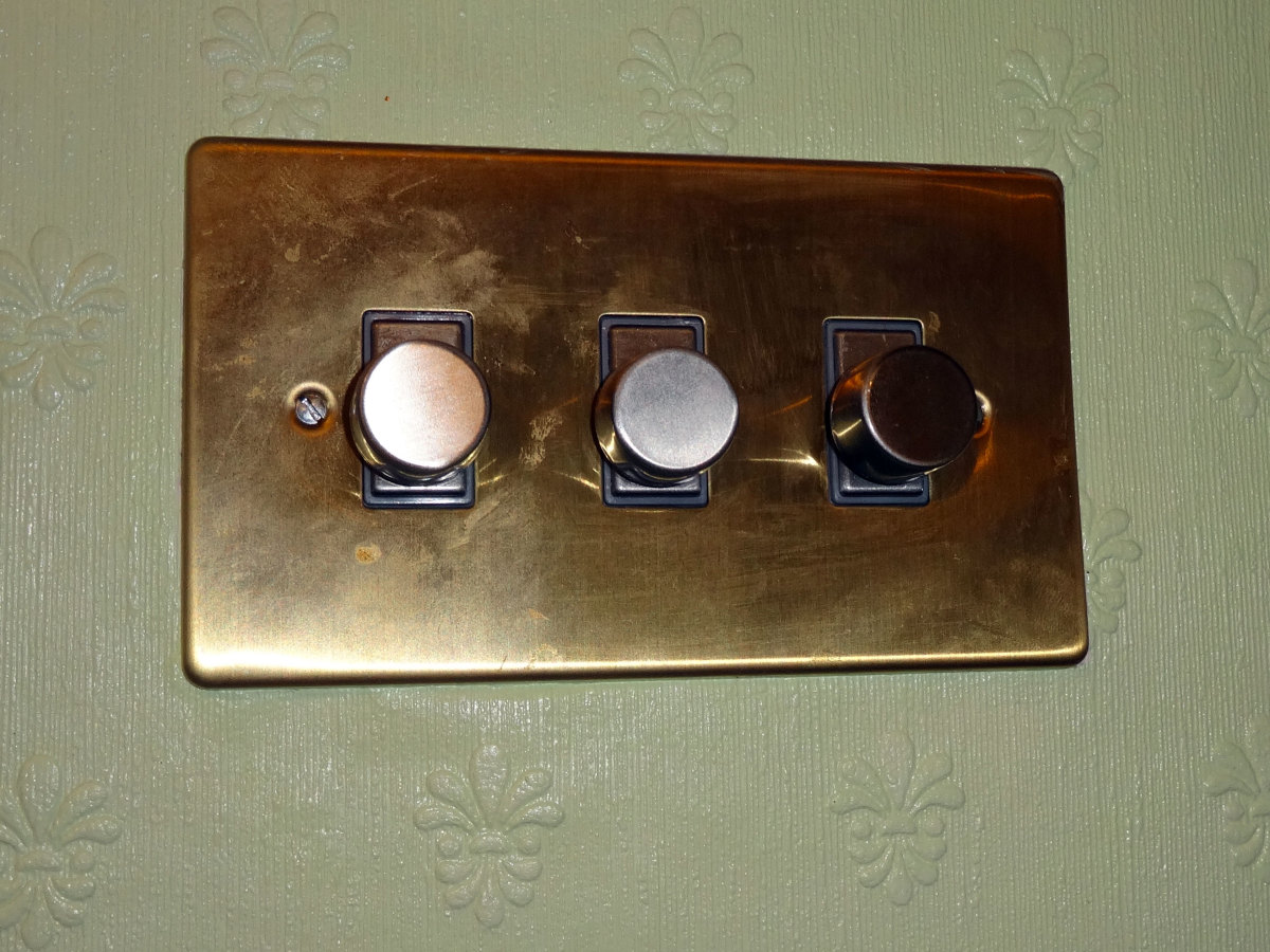 Triple dimmer switch for Living room lighting