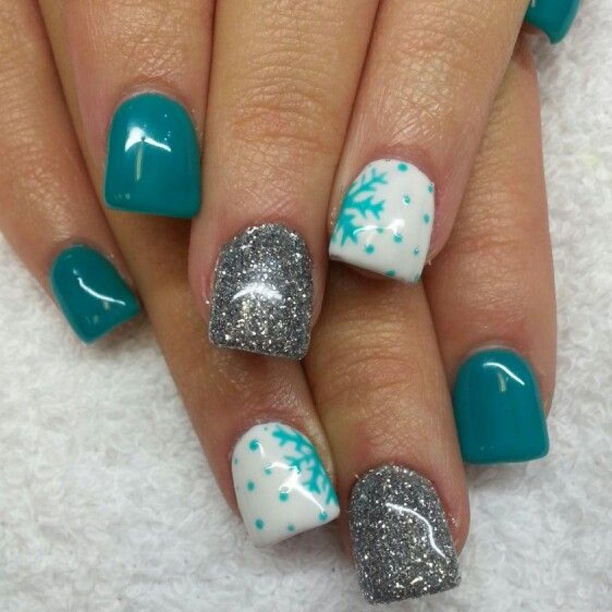 easy-christmas-nail-designs