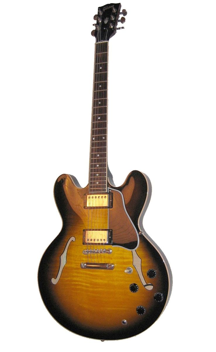 The iconic Gibson ES-335, a guitar many have tried to imitate. Including the Benson ES Double Cutaway
