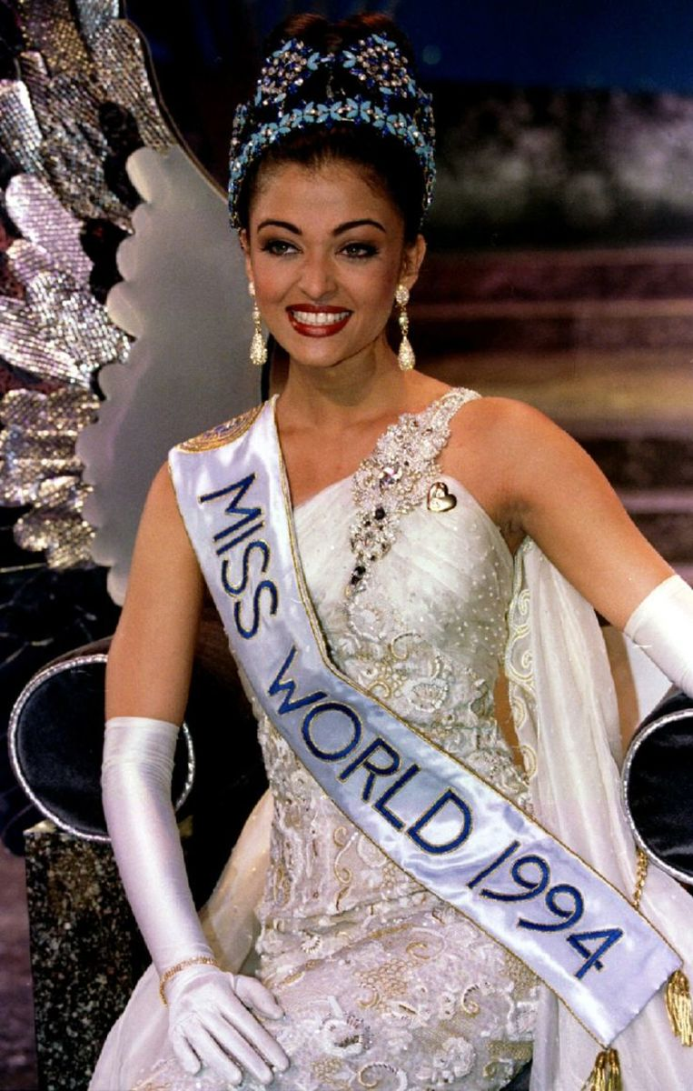 Aishwarya Rai  crowned Miss World in 1994