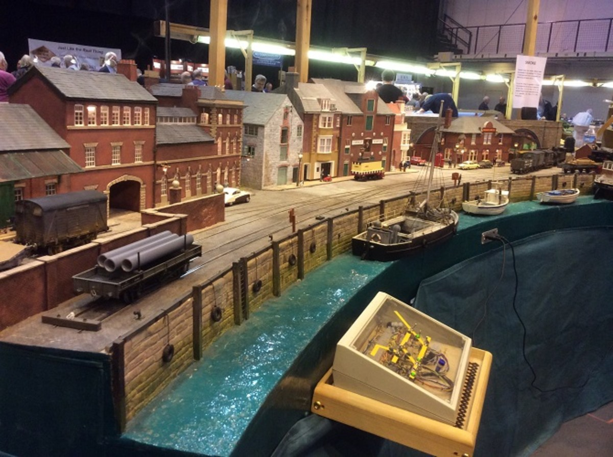 Gauge O Guild Summer Exhibition, an extensive dockside layout demonstrated here shows a high level of modelling expertise