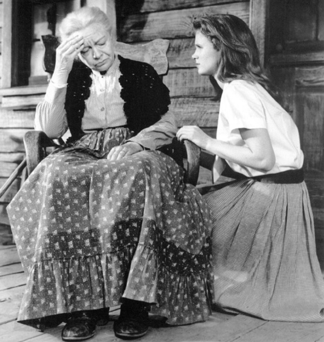 Lee Remick and Jo Van Fleet in Wild River (1960)