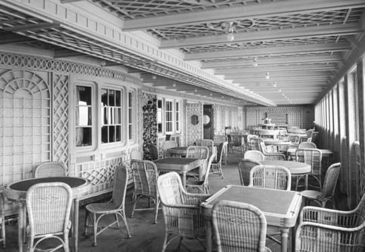 Cafe Parisien on Titanic's B-Deck.