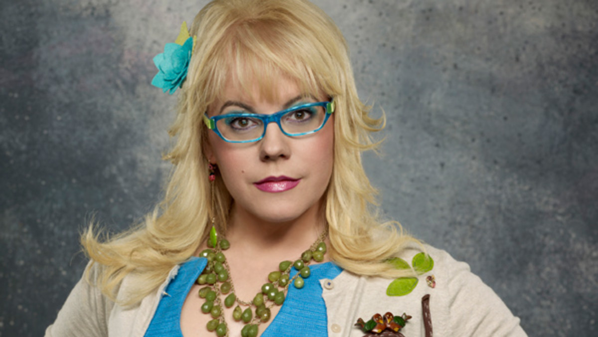 "Penelope changes her look by wearing different color glasses to match her outfits on ""Criminal Minds."""