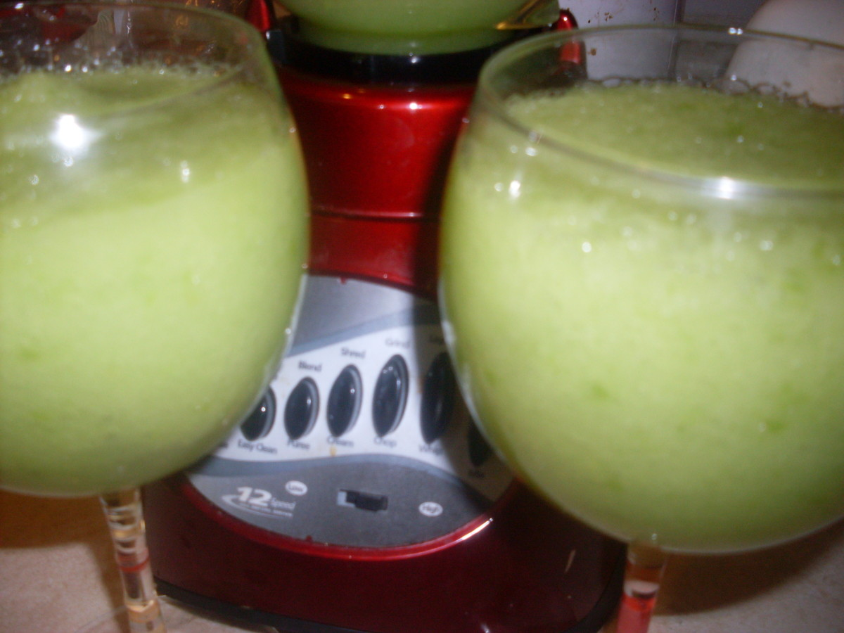 healthy-smoothie-recipes-including-banana-smoothie-celery-and-green-apple-carrot-orange-peach-broccoli-pear