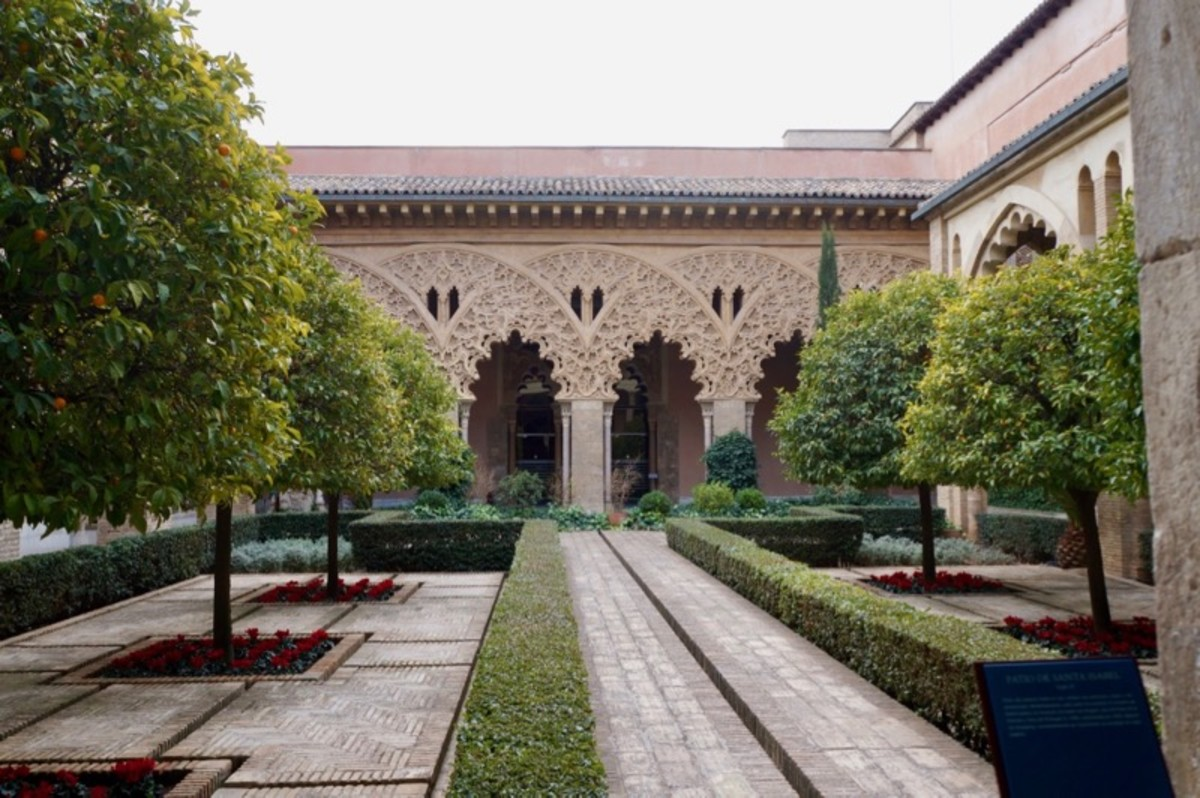 Patio de Sta. Isabel in The Aljaferia