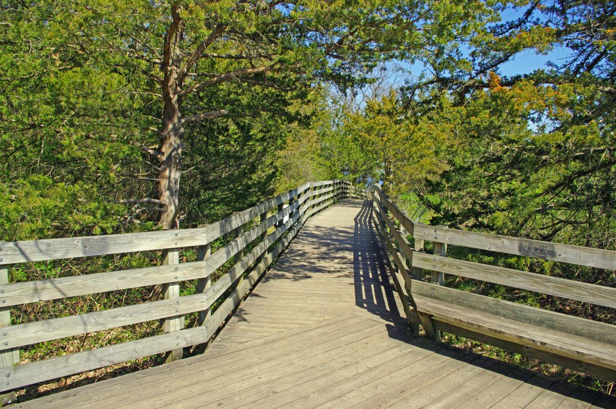Starved Rock walkway