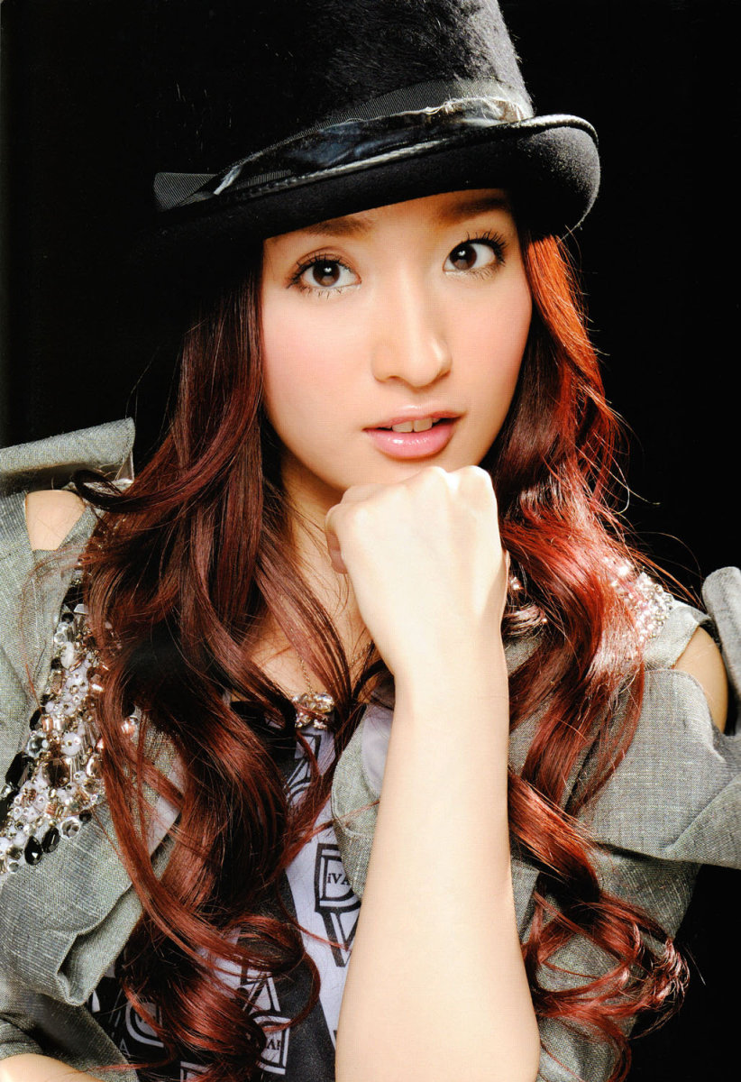 This is Ayaka Umeda who was also a former member of the AKB48 sub-unit called DIVA and she was also with NMB48 prior to her graduation.