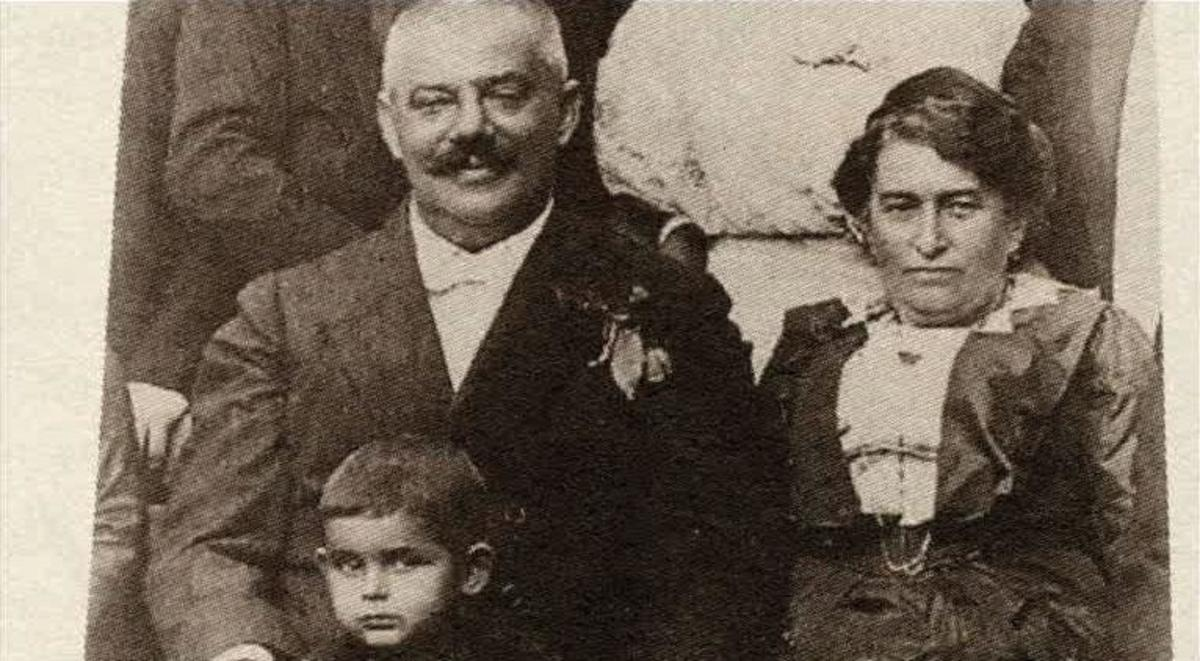 Franz's father and mother, Hermann Kafka and Julia Löwy