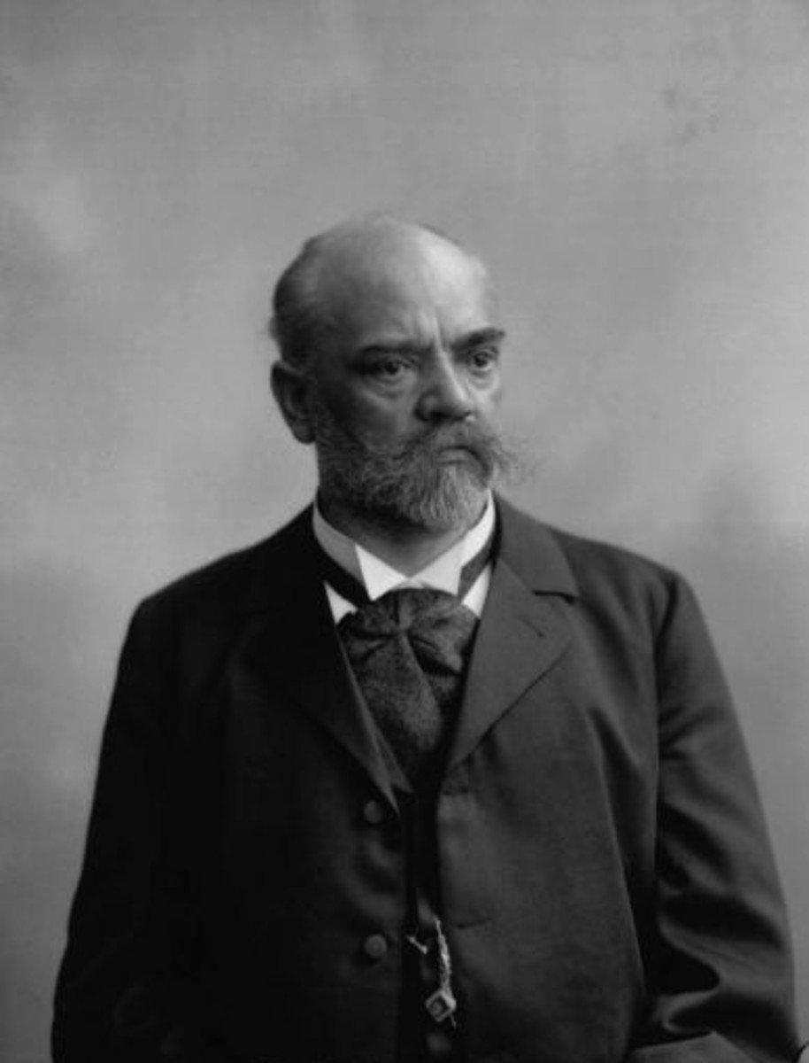 Photograph of Dvorak in 1904.