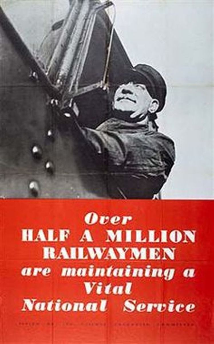Over half a million railwaymen ... what the poster doesn't say is that only a fraction of them are on the footplate. Many were conscripted into the Royal Navy to work on the fighting vessels, many still coal fired