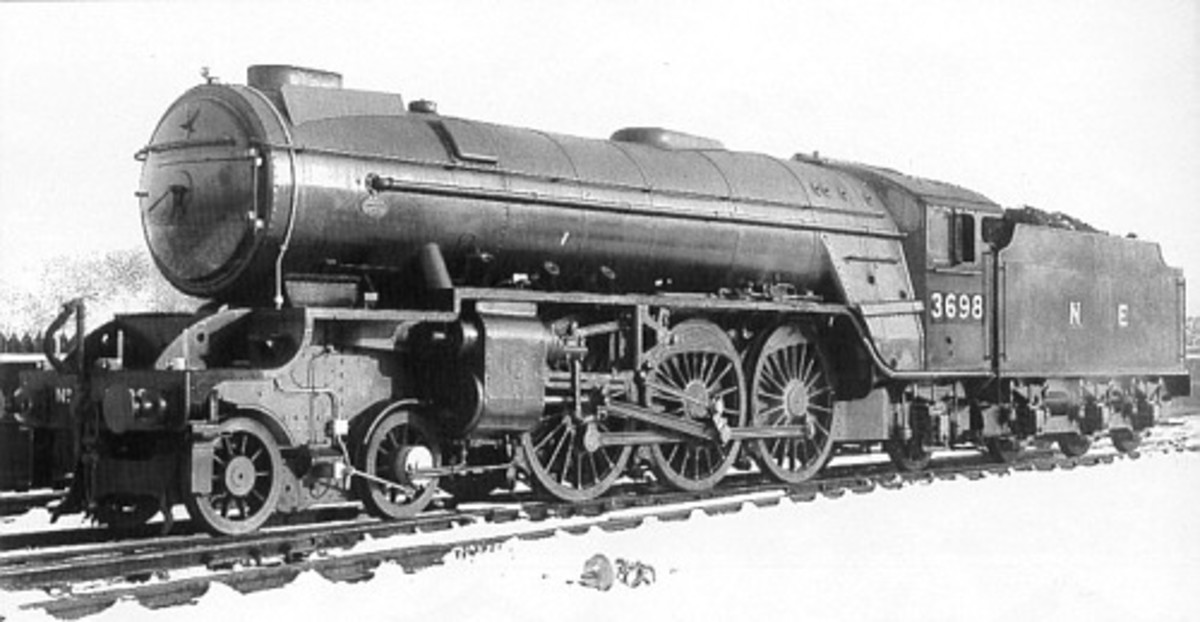 Thompson's Class A2/1 were rebuilds of the four-strong Gresley class P1 2-8-2 allocated to the north of Scotland, as with Class P2 (below) . This is No. 3698 'Waverley', one of the Sir Walter Scott characters