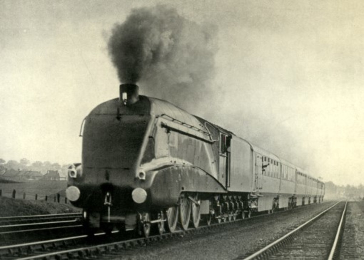 The inaugural run of a Silver Jubilee set in King George V's Silver Jubilee year, 1935, seen on the ECML at Hatfield, Hertfordshire
