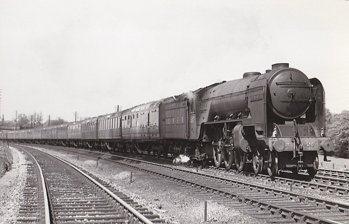 Class A2/3 No. 517 'Ocean Swell' was one of the newly configured Class V2 2-6-2