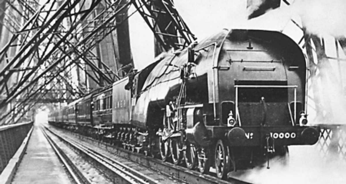 Gresley's experimental 4-6-4 'Hush-hush No. 1000 on the Forth Bridge in the mid-1930s