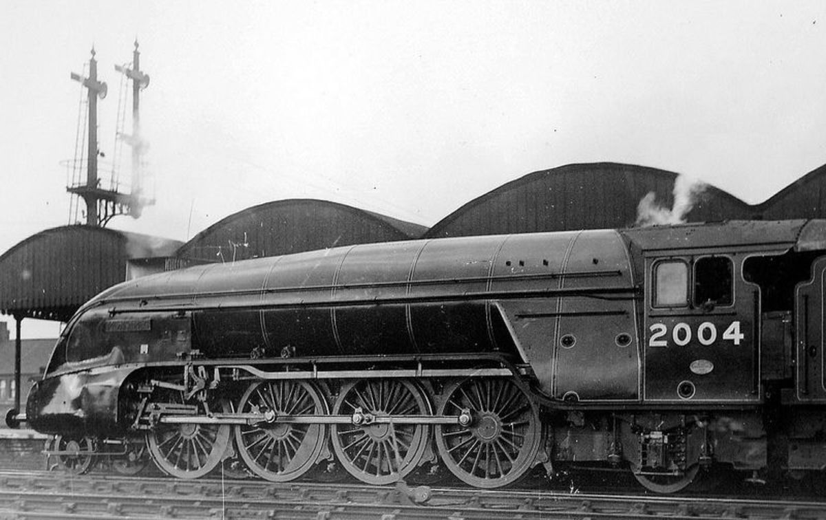 P2 2-8-2 2004 'Mons Meg' - named after a Sir Walter Scott character - at rest. The class would be rebuilt to A2/2 when Edward Thompson took up the reins