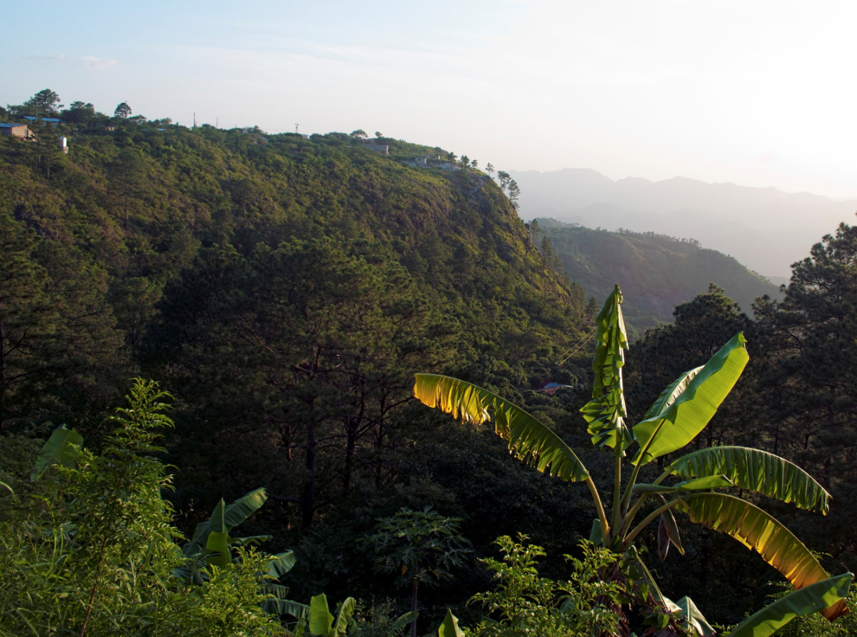 """Heights of Sabana Grande from a distance.  A flat-top mesa """"Lookout Mountain"""""""