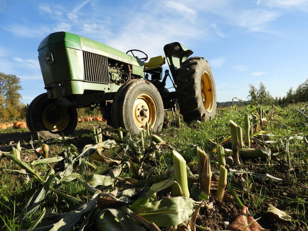 John Deere 850 Tractor Overview