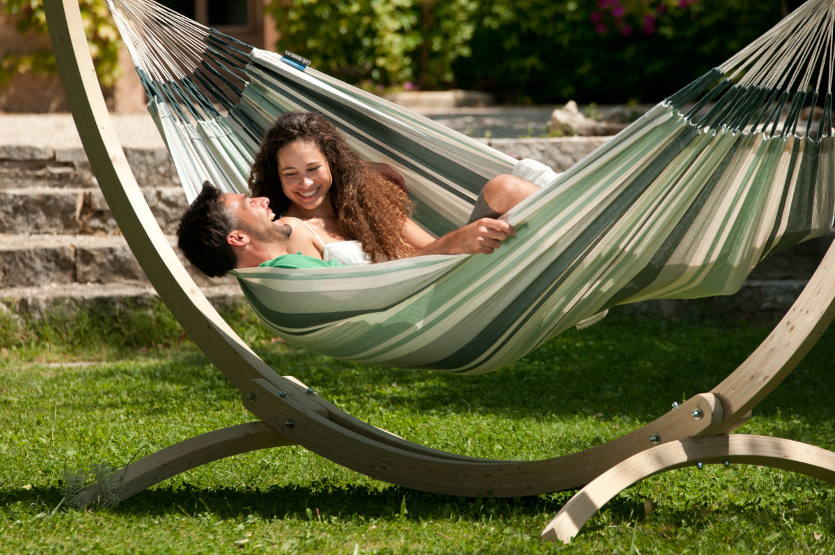 How to Create a Hammock Oasis