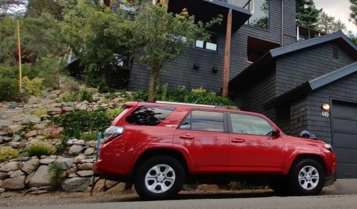 Kiran parked the car at the Boat Club building